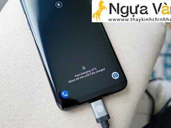 Cảm ứng màn hình điện thoại Galaxy S8 bị chậm
