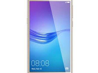 Bật mí địa chỉ thay kính điện thoại Huawei giá rẻ chất lượng tốt