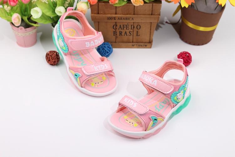 Dép sandal họa tiết Heo peppe cho bé gái 1-7 tuổi có đèn led sáng