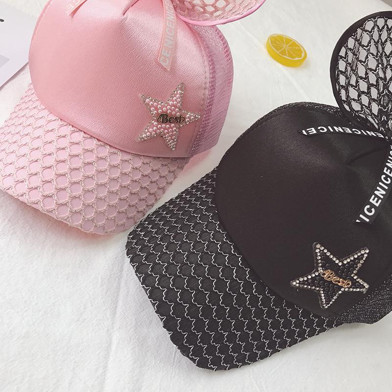 Mũ, nón kết cho bé gái 4-7 tuổi màu đỏ họa tiết nơ và ngôi sao cá tính