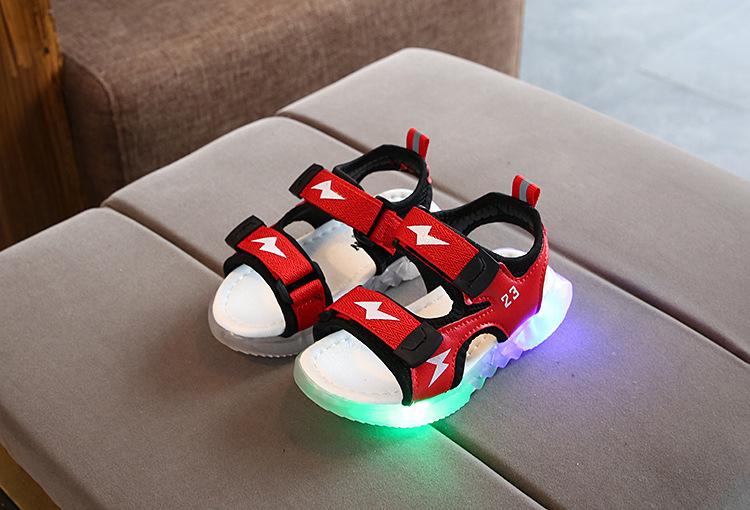 Giày sandal có đèn led cho bé trai từ 2 đến 6 tuổi