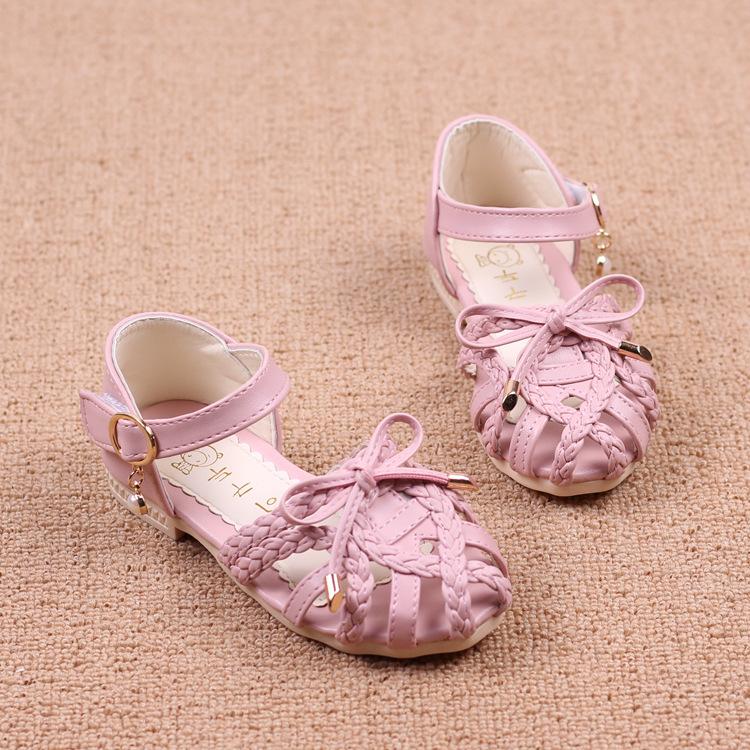 Giày sandal cho bé gái đi học siêu đáng yêu