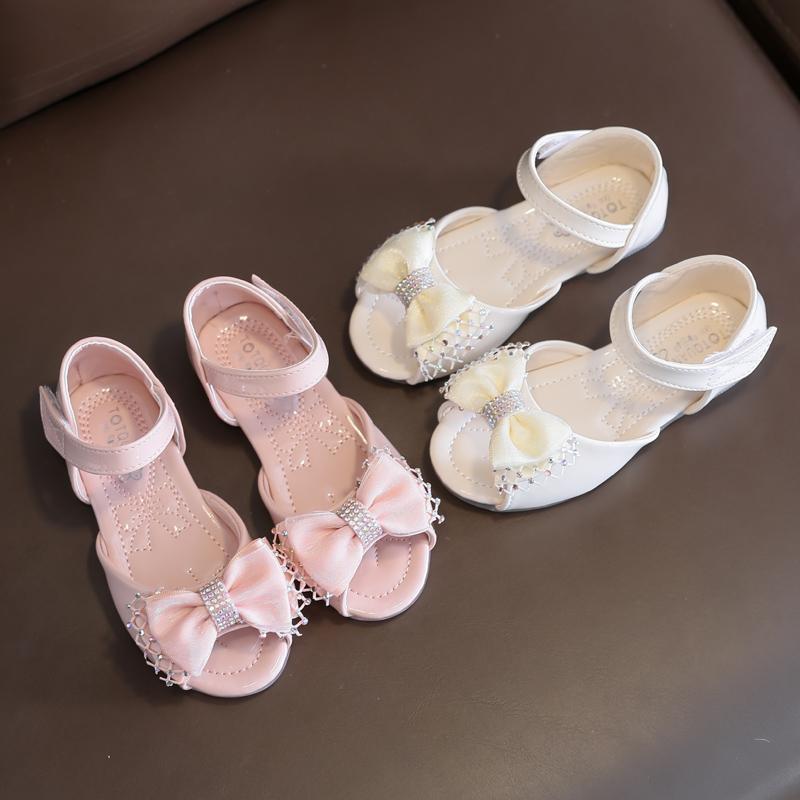 Sandal cho bé gái
