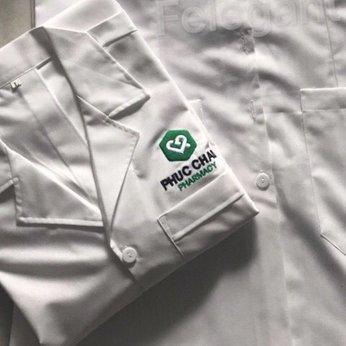 May đồng phục dược sĩ (blouse) Phúc Châu Pharmacy
