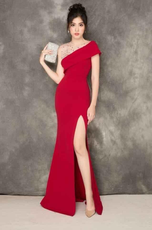 Đầm dạ hội tay con đính ngọc xéo vai xẻ đùi quyến rũ