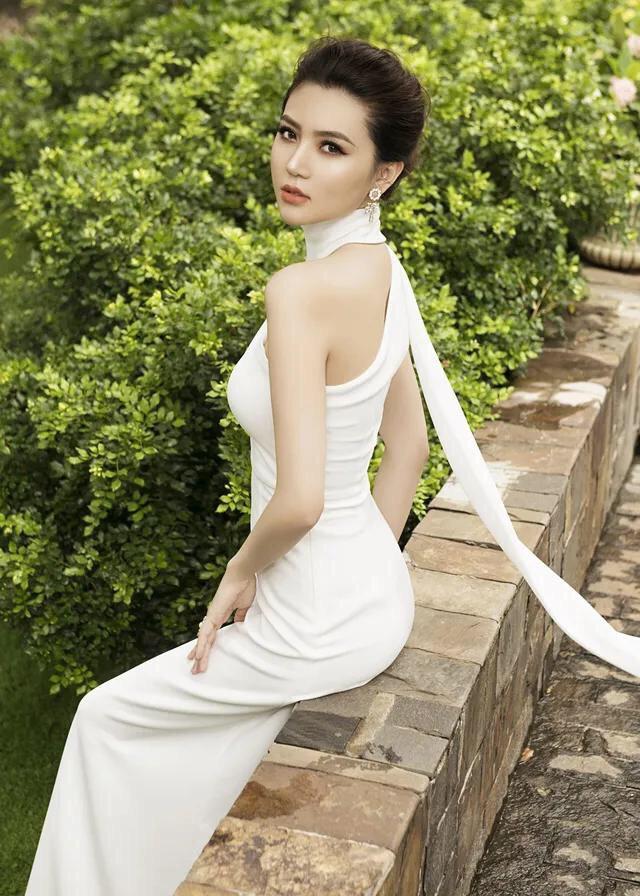Đầm dạ hội trắng dự tiệc chéo vai sang trọng rất đẹp