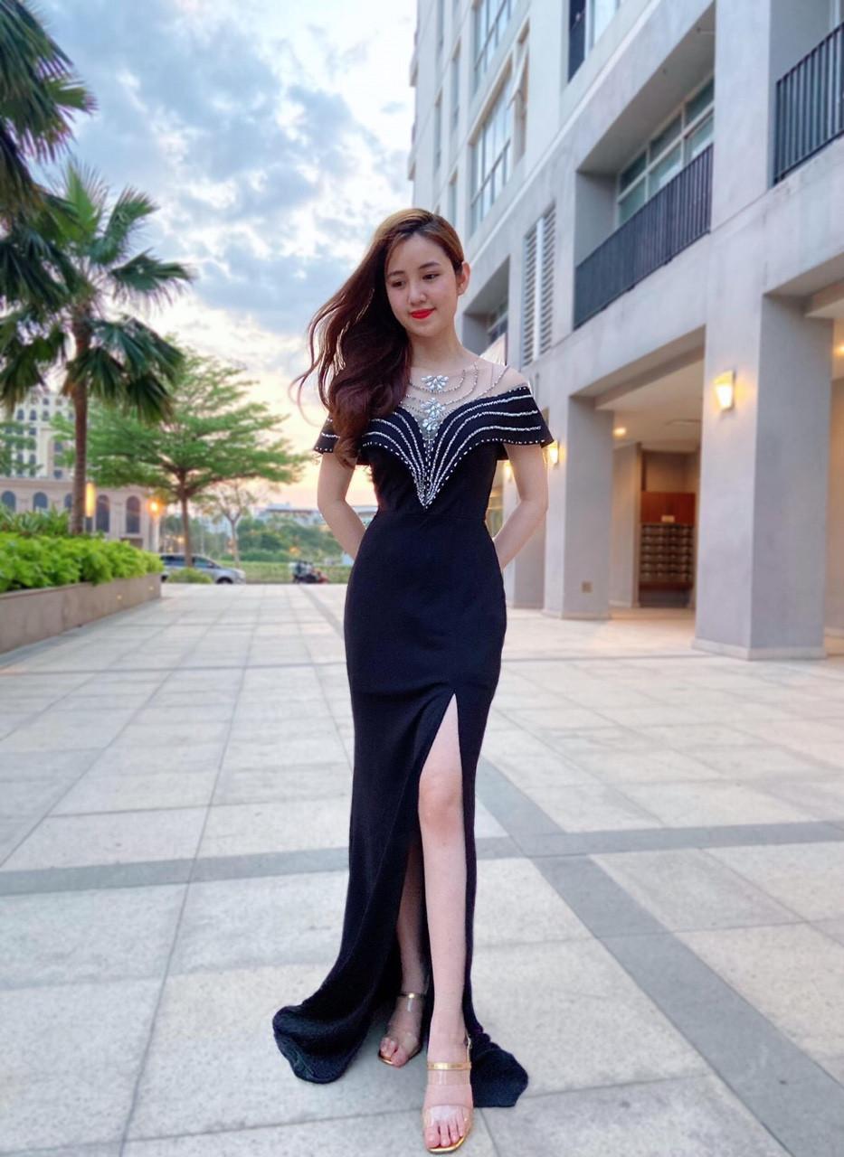 Đầm dạ hội đính pha le tay con