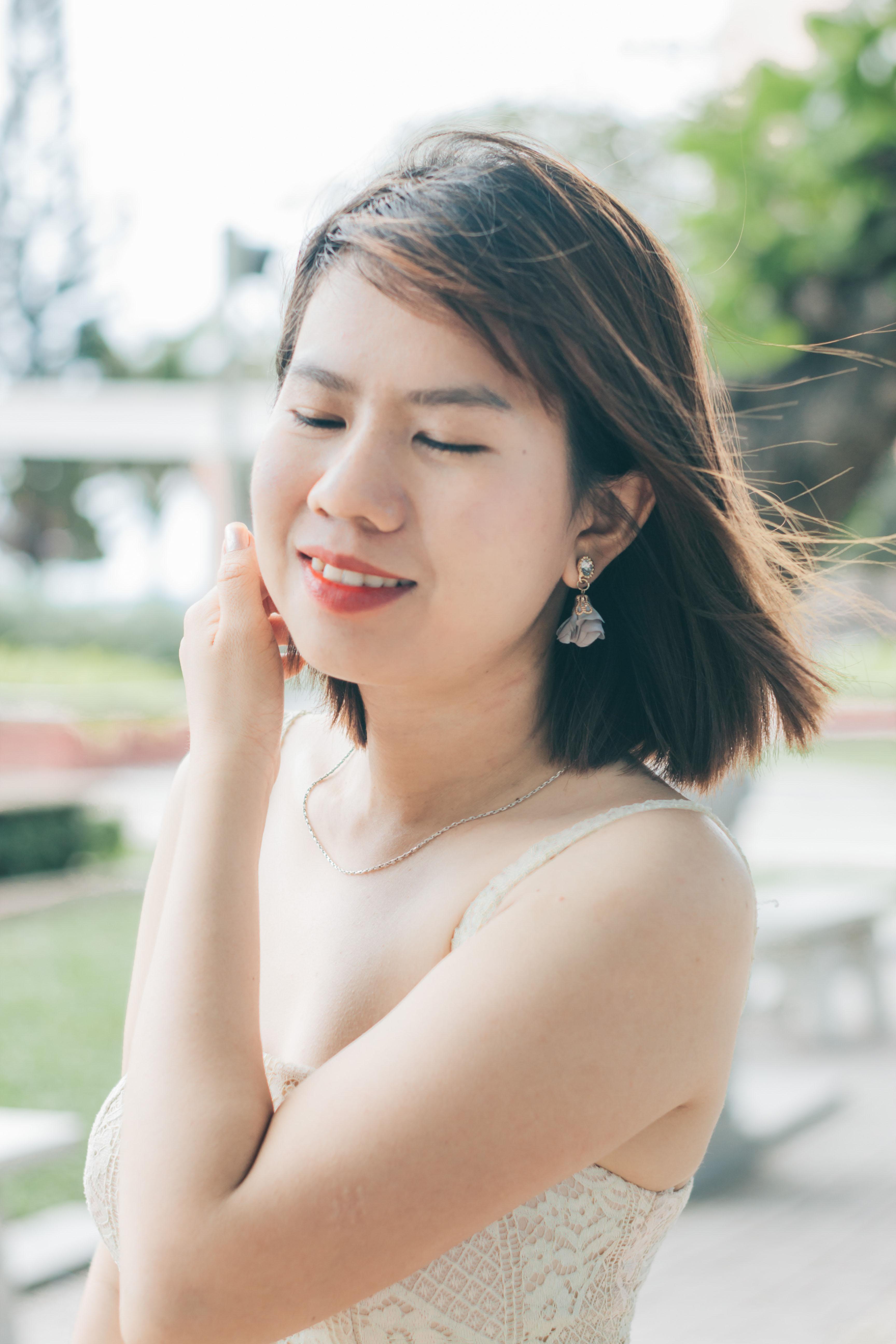 Đầm ren nude hai dây xinh xắn sang trọng