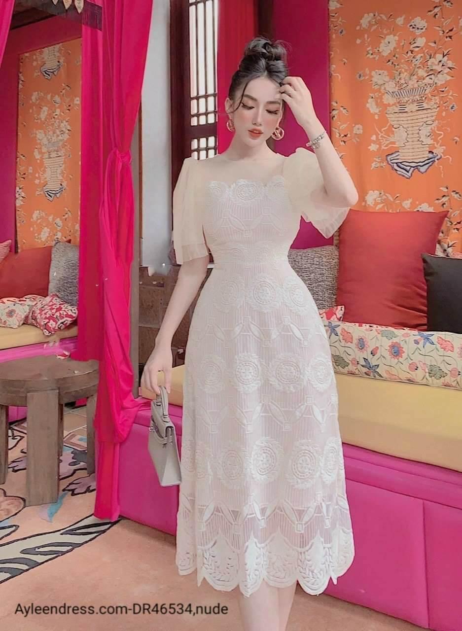 Đầm ren mềm dự tiệc cao cấp