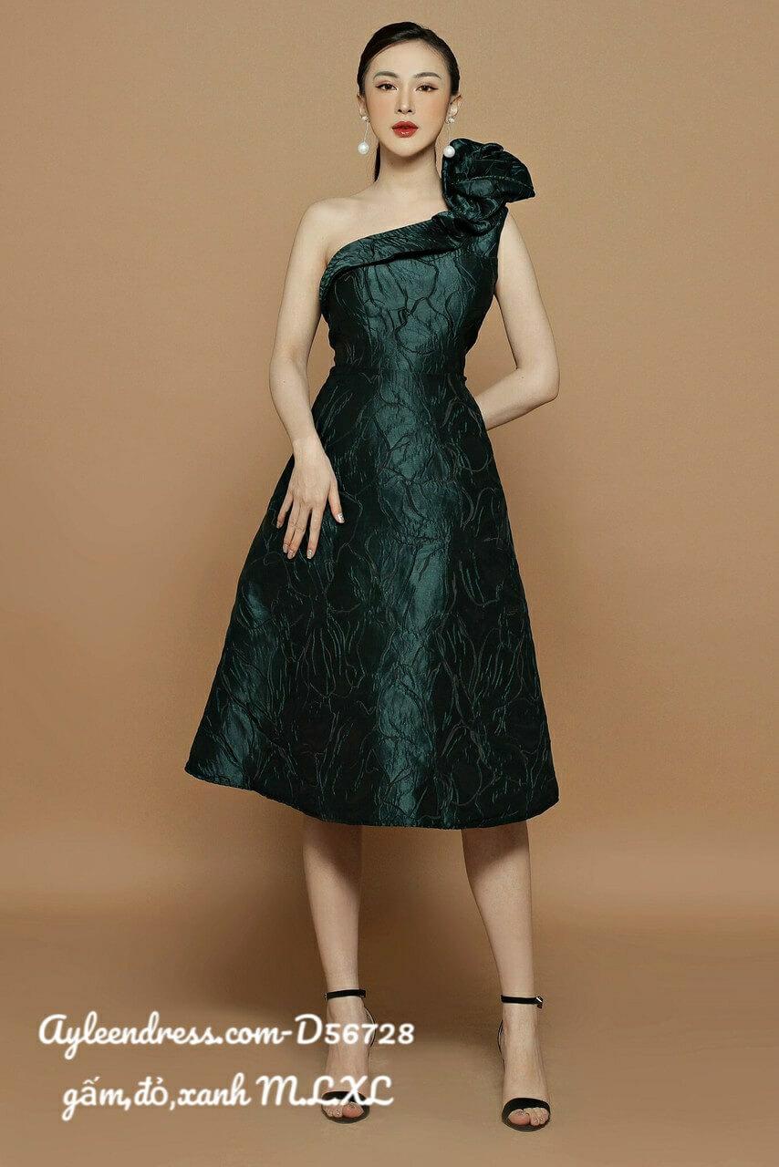 Đầm gấm lệch vai xoắn bông