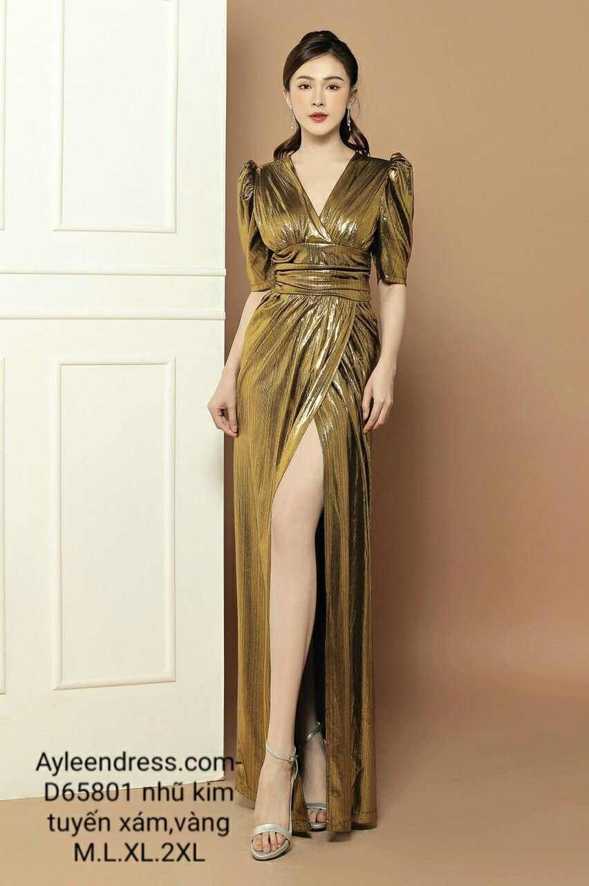 Đầm dạ hội nhũ kim tuyến cổ V tay lửng eo cao