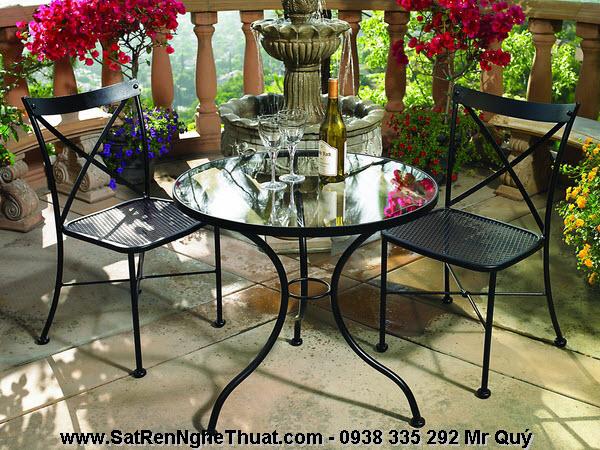 Bàn ghế sân vườn sắt rèn nghệ thuật