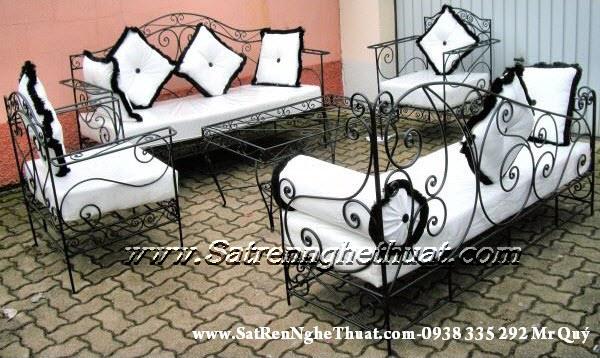 Bộ bàn ghế sofa sắt rèn mỹ thuật BGNT004