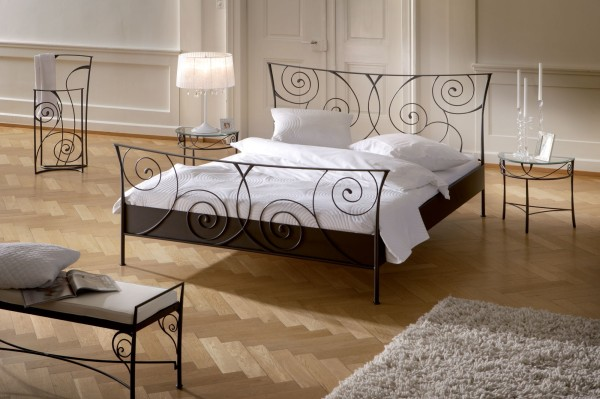 Ministry of wrought iron products decorative arts bedroom