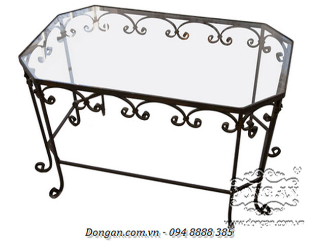 Decorative Black Iron Table with Glass