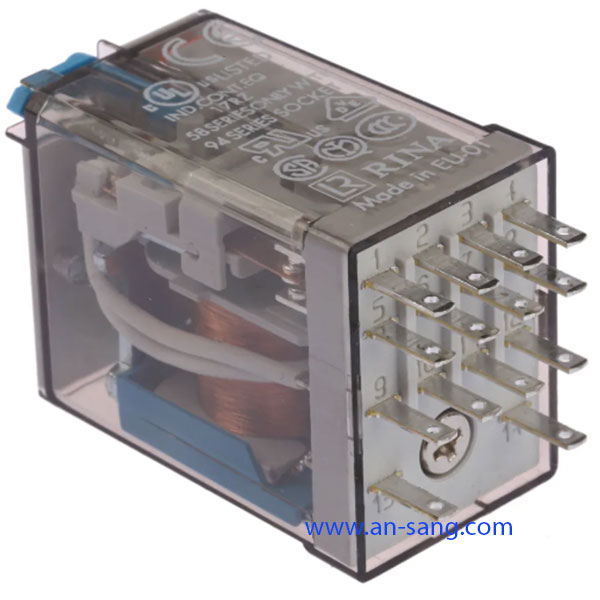 Finder, 24V dc Coil Non-Latching Relay 4PDT, 7A Switching Current Plug In, 4 Pole, 55.34.9.024.0074