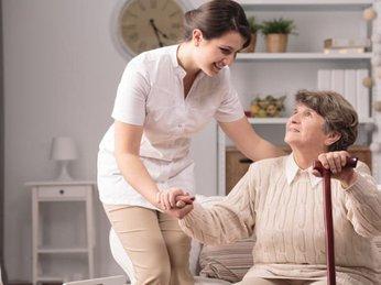Người già hay mắc phải những bệnh gì và cách phòng tránh