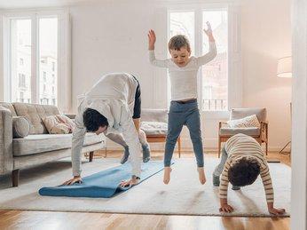 Những bài tập thể dục đơn giản tại nhà trong mùa cách ly