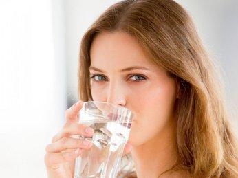Lợi ích từ việc uống nước điện giải