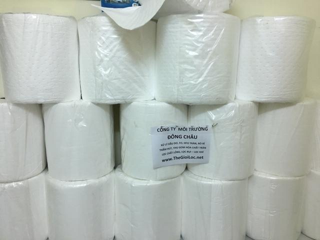 Cuộn giấy lau thấm hút dầu tràn vãi
