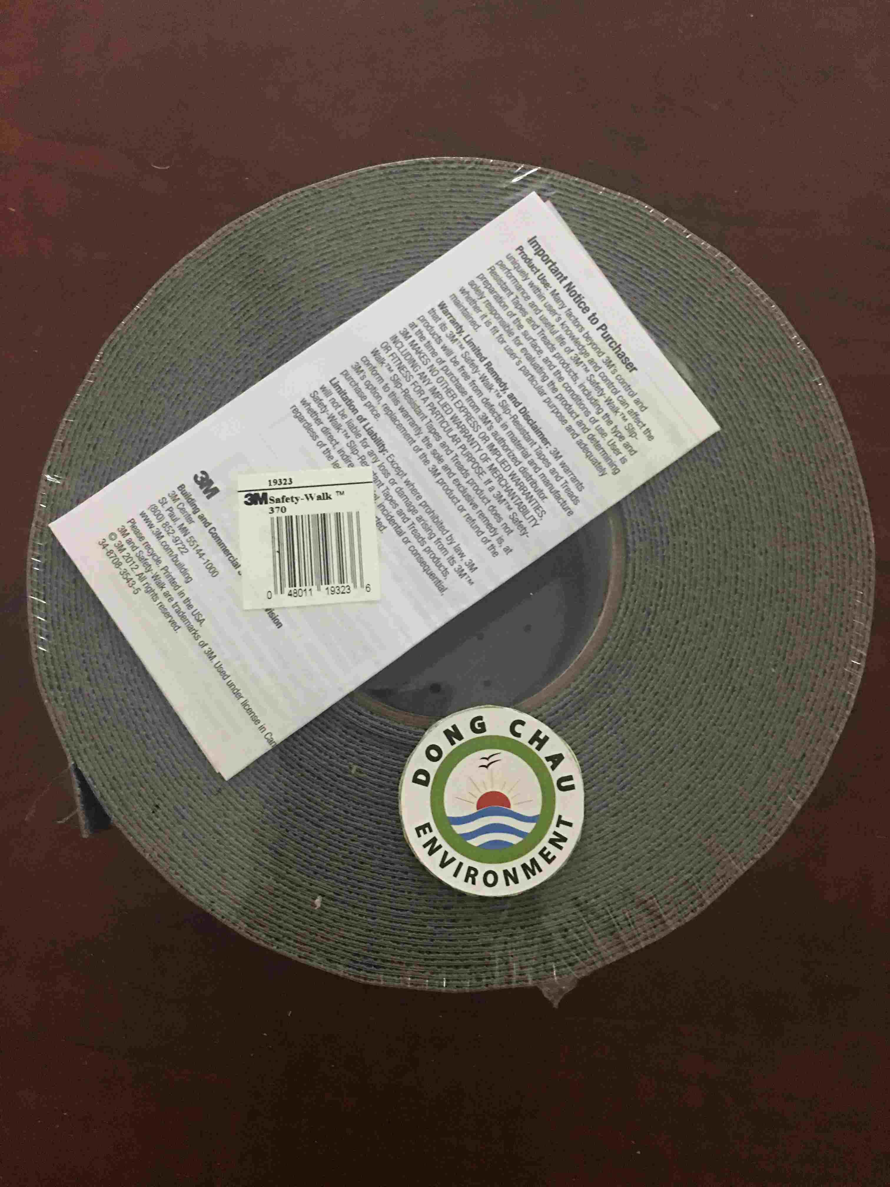 Băng keo dán nền chống ngã 3M 370 Mỹ màu xám