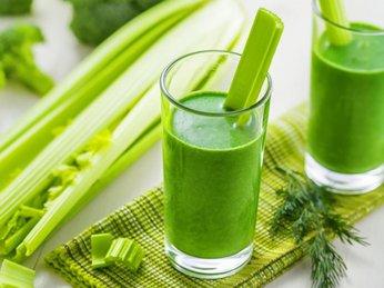Uống nước ép cần tây hàng ngày có thể ngăn ngừa ung thư và trẻ lâu
