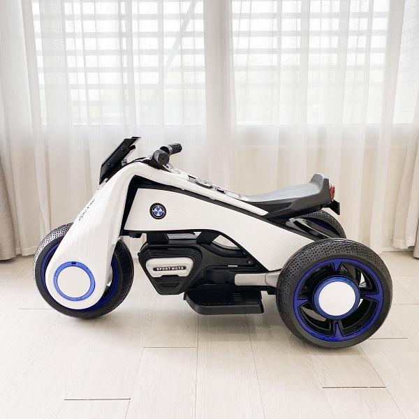 Xe mô tô điện Holla - sản phẩm công nghệ sang trọng và tuyệt vời cho bé yêu