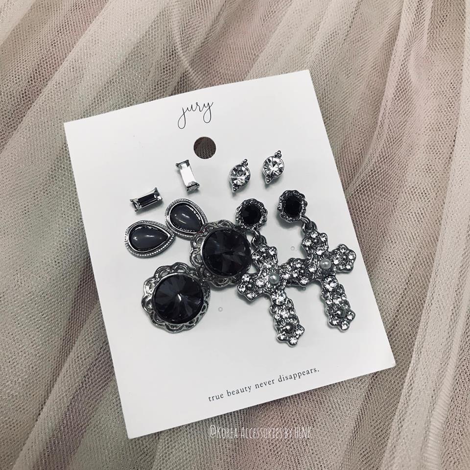 Hoa taiBlack Cross Earrings Set