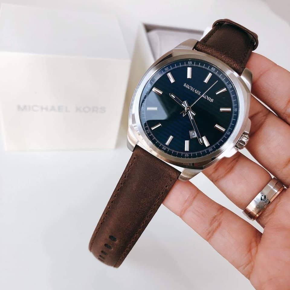 Đồng hồ Michael Kors dây nâu dáng vuông độc đáo