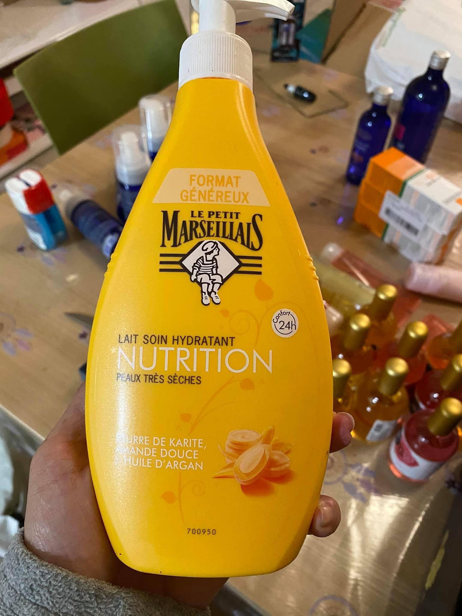 Dưỡng thể Pháp Le Petit Marseillais Nutrition 400 ml