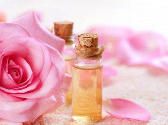 Vai trò của nước hoa hồng trong quá trình chăm sóc da hằng ngày!