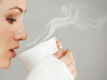 Lợi ích của thói quen uống nước ấm thường xuyên