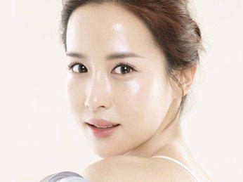 Xu hướng làm đẹp Glass Skin? Xu hướng chăm sóc da đúng chuẩn Hàn Quốc