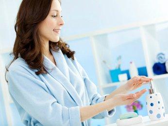 Các sản phẩm dung dịch vệ sinh phụ nữ tin dùng? Chị em đã  sử dụng dung dịch vệ sinh phụ nữ đúng cách chưa?