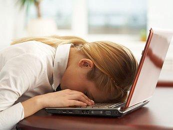 Cách làm giảm tình trạng mệt mỏi khi thiếu ngủ