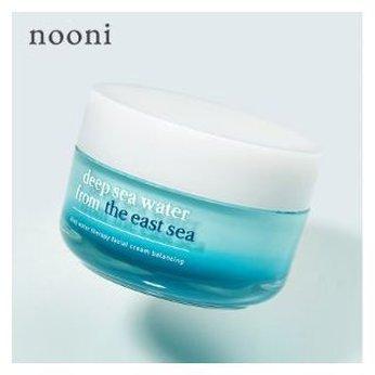 Kem dưỡng ẩm sâu giúp làm trắng da và chống nhăn Nooni Deep Sea Water Therapy Facial Cream
