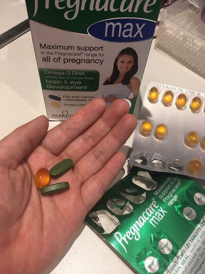 Vitamin cho bà bầu Vitabiotics Pregnacare Maxdùng trong suốt thai kỳ của UK