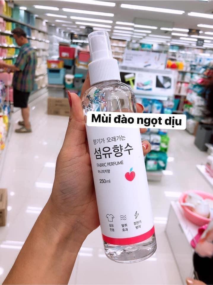 Xịt thơm quần áo Fabric Perfume nội địa Hàn