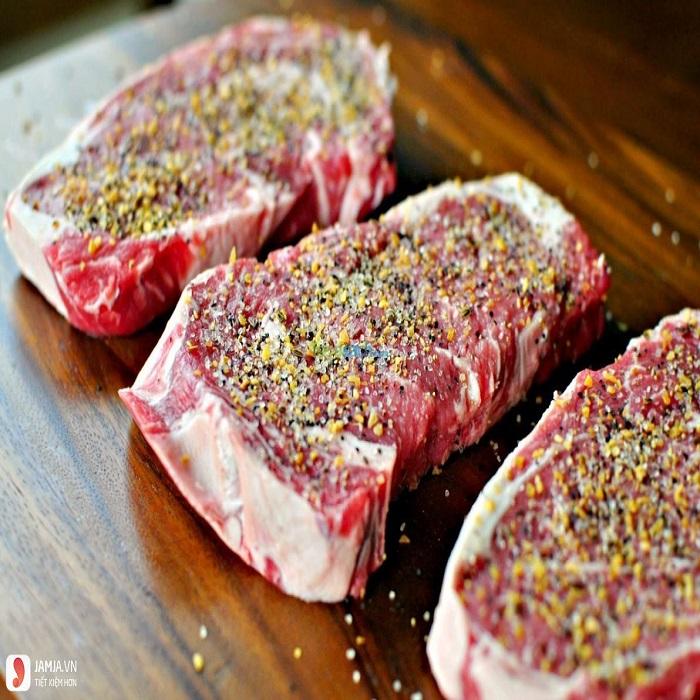Thịt bò Fuji bít tết (có gân)