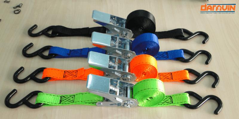 Các màu sắc của dây chằng hàng tăng đơ bản 25 dài 3m tải 800kg móc s tại Daravin