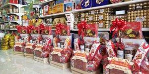 Mua Bánh kẹo nhập khẩu giá sỉ ở đâu uy tín tại Tp.HCM?