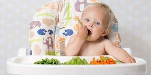 Cần tư vấn chọn thức ăn ăn dặm dinh dưỡng cho bé