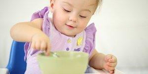 Tìm hiểu khi nào cho bé ăn thức ăn dặm dinh dưỡng tốt nhất