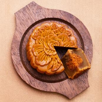 Bánh Trung Thu Tai Thong  Sen Trắng Muối với Tôm Ngũ Vị & Chà Bông Gà