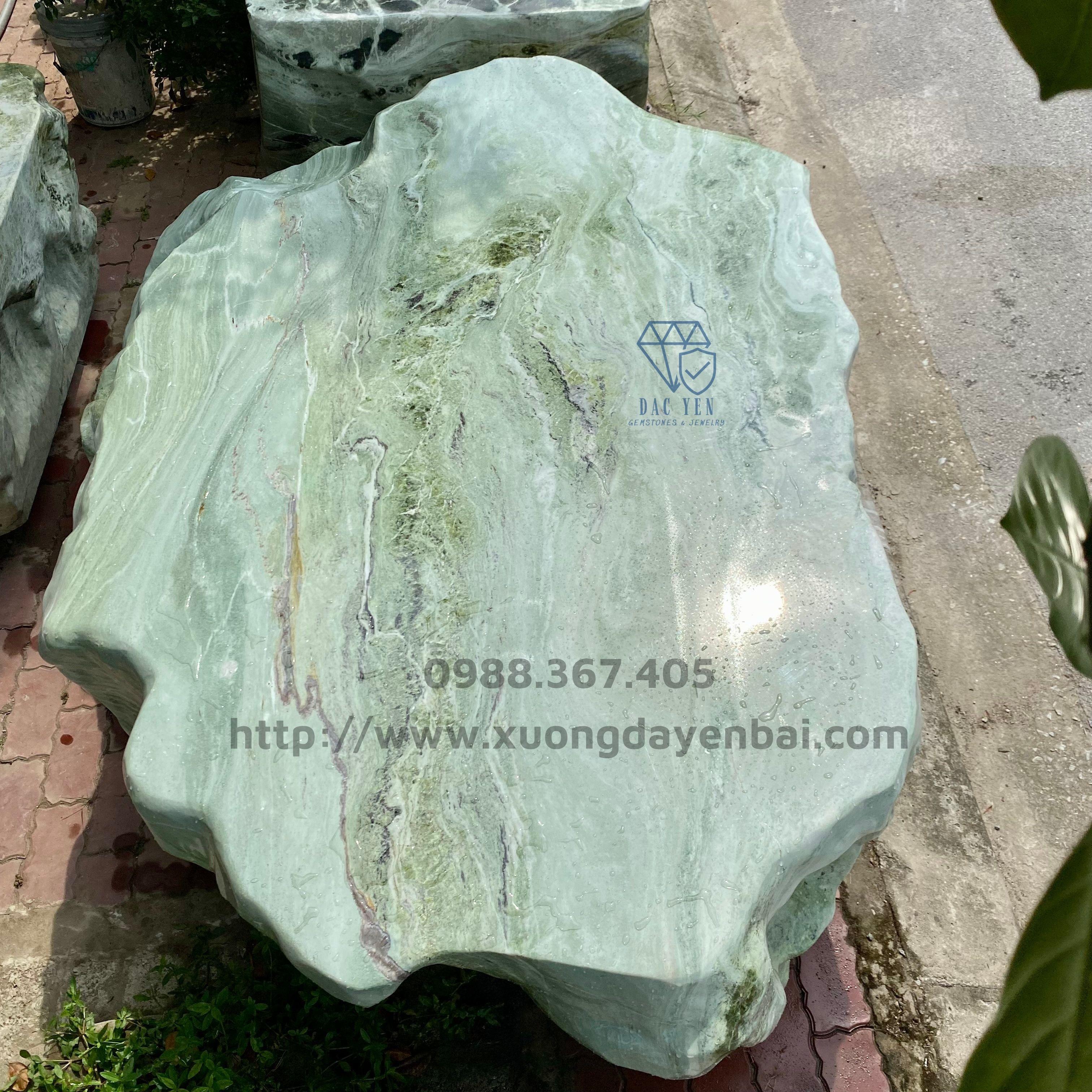 Bàn ghế đá nguyên khối, bàn ghế đá yên bái, bàn ghế đá sân vườn VIP
