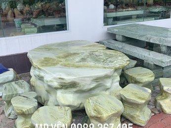 Cung cấp bàn ghế đá tự nhiên, bàn ghế đá nguyên khối sân vườn đẹp tại Tiền Giang