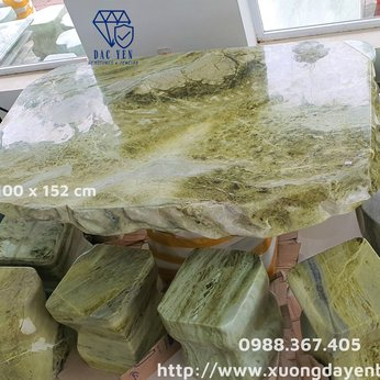 Bàn ghế đá tự nhiên chân kê xanh serpentine Yên Bái   - KT 100 x 152 cm