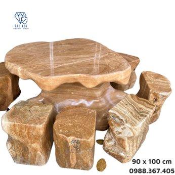 Bàn ghế đá nguyên khối vân hoa - KT 90 x 100 cm
