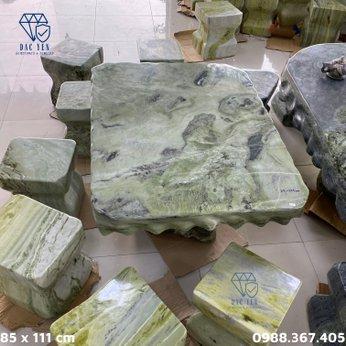 Bàn ghế đá tự nhiên chân kê - KT 85 x 111 cm