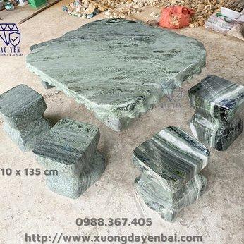 Bàn ghế đá xanh tự nhiên - KT 110 x 135 cm